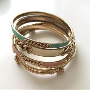 Set of 6 bracelets gold tone